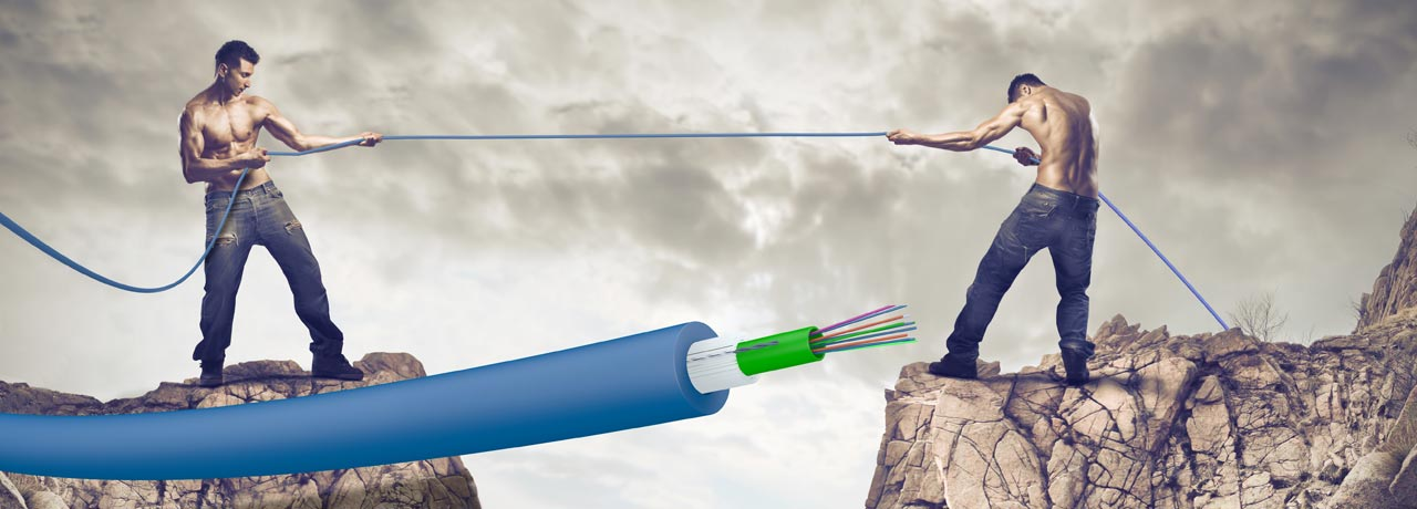 Extremely tough: Draka central tube cables, more compact, improved tensile strength.