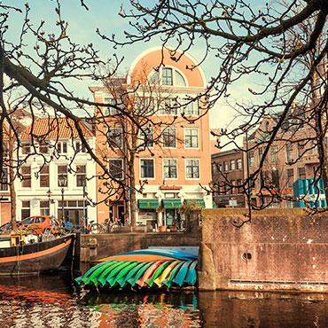 FTTH brings superfast data to Amsterdam